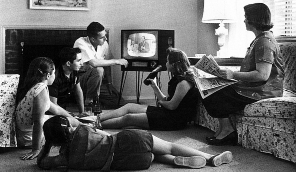 Family_watching_television_1958HRZ